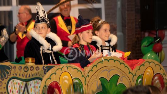 Uitroepen jeugdprins Pol foto Jo Schoonbrood5_ZO-NWS.jpg