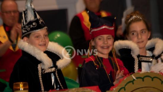 Uitroepen jeugdprins Pol foto Jo Schoonbrood6_ZO-NWS.jpg