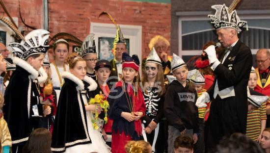 Uitroepen jeugdprins Pol foto Jo Schoonbrood9_ZO-NWS.jpg